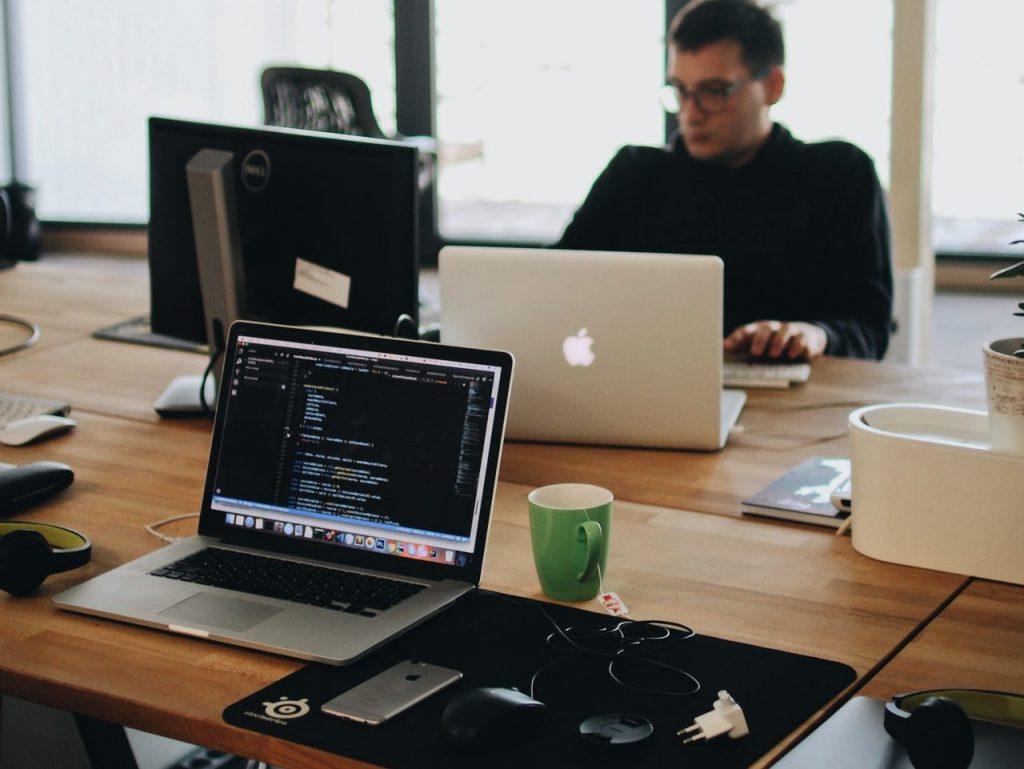 Por que o mundo precisa de mais programadores?